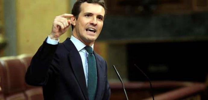 Casado: El Gobierno intenta clavar la espada a la Constitución por la espalda