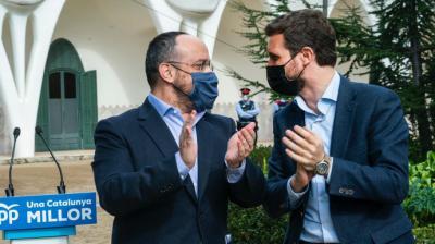 Alejandro Fernández y Pablo Casado, este viernes, en Terrassa (Barcelona).PP