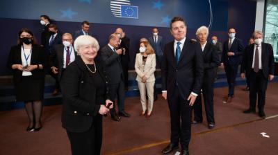 La secretaria del Tesoro estadounidense, Janet Yellen, y los miembros del Eurogrupo, el 12 de julio de 2021 en Bruselas.European Union