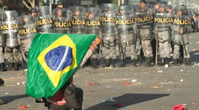 El crecimiento económico de Brasil empeora con crisis política