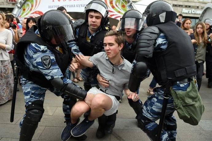 Gritar contra Putin te puede llevar a la cárcel