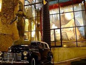 Salvador Dalí en la mayor obra surrealista concebida y creada por el artista ampurdanés en Figueras