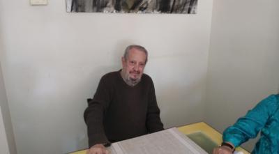José Loriga, diseñador gráfico, publicista, dibujante, humorista, pintor... cumple 80 años en la Costa del Sol
