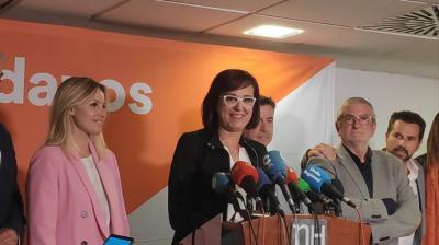Ana Martínez Vidal, coordinadora regional de Cs en Murcia (izqda) e Isabel Franco, vicepresidenta del Gobierno regional –y ahora tránsfuga– (dcha)