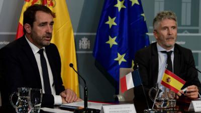 El ministro del Interior francés Christophe Castaner (izq.) junto a su par español,  Fernando Grande Marlaska