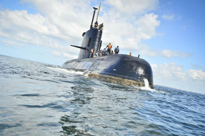 Estudian si objeto de 55 metros de largo es submarino argentino desaparecido