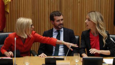 Rosa Díez, Pablo Casado y Cayetana Álvarez de Toledo en el acto del PP en Madrid.VÍCTOR J. BLANCO / GTRES
