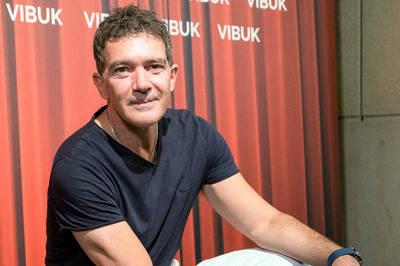 Antonio Banderas presenta Vibuk, una app para buscar y ofrecer talento artístico