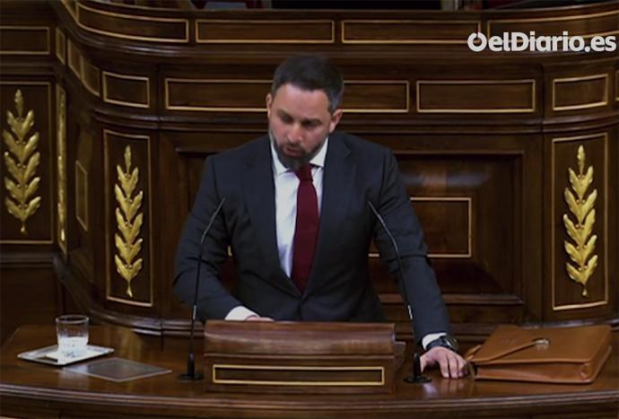 El líder de Vox, Santiago Abascal, en la tribuna del Congreso de los Diputados (CAPTURA DE PANTALLA)