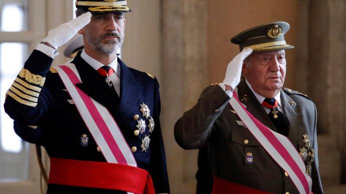 Felipe VI y Juan Carlos I, durante la Pascua Militar de 2018.Pool / Gtres