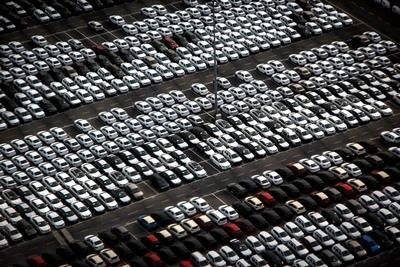 Las ventas de coches en España suben a pesar de la caída de los particulares