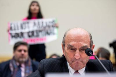 Congreso de Estados Unidos no apoyará una intervención militar en Venezuela, dice legislador Eliot Engel.
