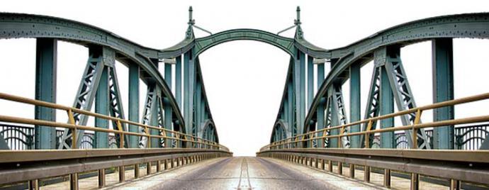 De la Torre Eiffel o el Golden Gate a los panelados de vehículo: las estructuras metálicas