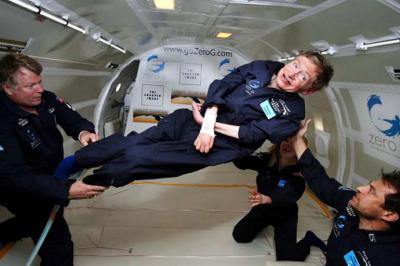 Stephen Hawking cuando experimentó cero gravedad en la Nasa. Wikimedia - Creative Commons / Jim Campbell/Aero-News Network
