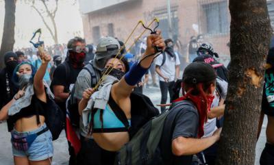 CHILE: Manifestantes salen a las calles en una nueva jornada de protestas contra Piñera