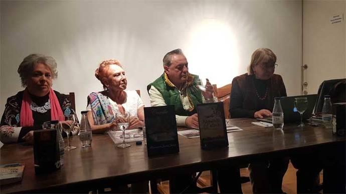 """Sacramento Jaraba presenta dos libros """"Memorias del alma"""" y """"Camila"""""""