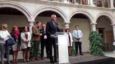 """Más de 200 personas celebran el """"DÍa del Abulense Ausente"""" en Ávila"""
