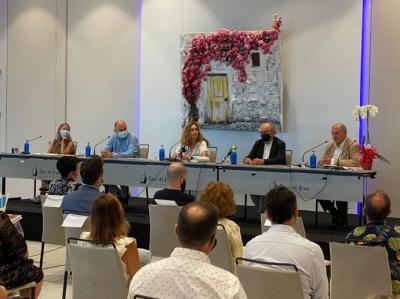Marta Torres, primera mujer pintora de Ibiza con una obra sobre la isla pitiusa