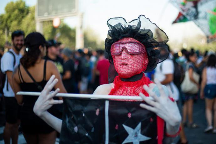 CHILE: Foto-reportaje del noveno viernes en Plaza de la Dignidad, ex Plaza Italia