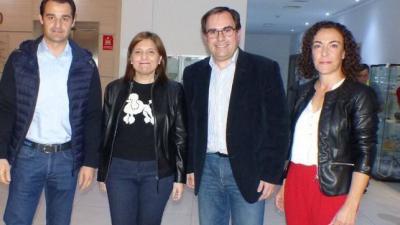 Joaquín Albaladejo (segundo por la derecha) junto a la líder del PP valenciano, Isabel Bonig