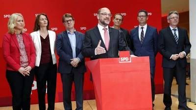 Socialdemócrata Schulz promete más concreción tras debacle electoral