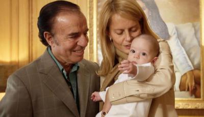 Cecilia Bolocco y Carlos Menem junto al hijo de ambos Máximo en una imagen de abril del 2004.