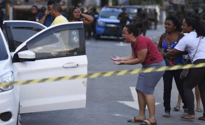 80 disparos: el ejército puede disparar a quien quiera en Río de Janeiro