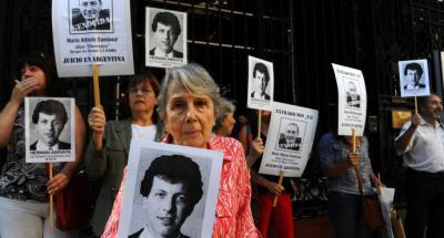 Argentina: El expolicía Mario Sandoval es extraditado para ser juzgado por crímenes en dictadura militar