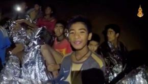 Imágenes del rescate de los 12 niños y su entrenador de fútbol atrapados en la cueva Tham Luang en Tailandia.