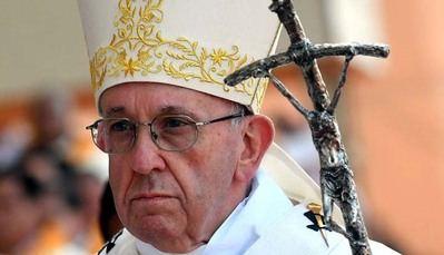 El Papa revela que recibe con frecuencia a víctimas de curas pedófilos