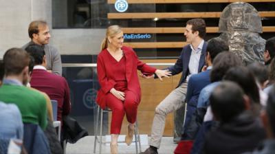 Cristina Cifuentes y Pablo Casado, durante un acto del PP.