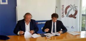 El presidente del Instituto para la Calidad Turística Española (i ) y Miguel Mirones,  Presidente de la Agencia  Valencia de Turismo, Francesc Colomer