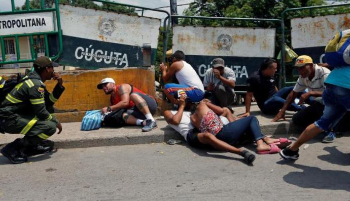 El 3 de mayo, justo al lado del fronterizo puente Simón Bolívar se registró una balacera entre delincuentes que controlan las trochas, dejando como saldo un muerto y un herido.