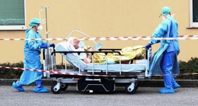 Italia: proponen no atender a pacientes mayores de 80 años con coronavirus por colapso sanitario