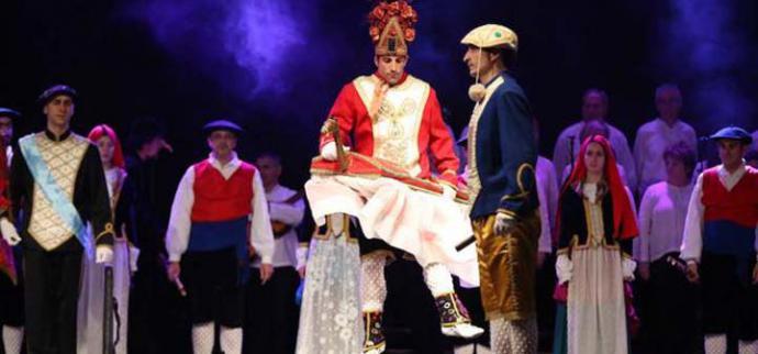El grupo de danzas Beti Jai Alai celebra sus 50 años de trayectoria en el Teatro Arriaga de Bilbao