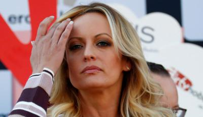 "Donald Trump llama a la actriz porno Stormy Daniels ""cara de caballo."
