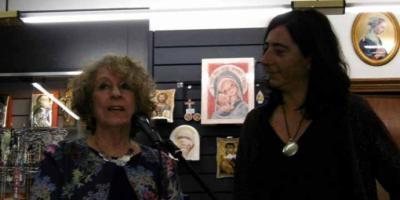 """Miren Zategui, autora del libro """"Gloria Fuertes, Y que ya todo lo amé"""", publicado en Retratos de bolsillo"""