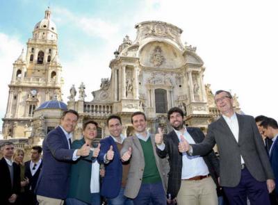 Casado, la semana pasada, en la presentación de los candidatos en Murcia. FLICKR PP