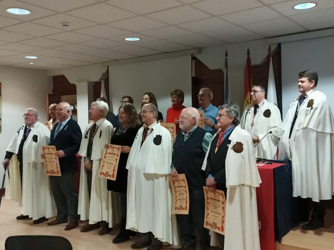 La Orden del Camino de Santiago cerró el centenario del Centro Gallego de Santander