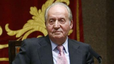 El rey emérito envía un comunicado en el que afirma que no vuelve a España por la COVID-19