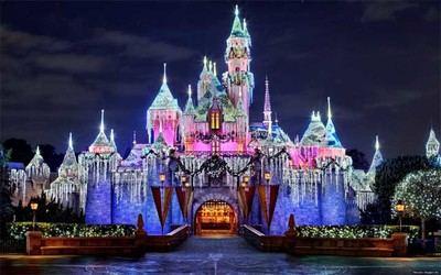 ¿España  ha sobrepasado a EEUU como segunda potencia turística...? (en la imagen de archivo, Disneyland,, EEUU)