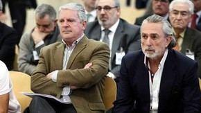 Alvaro Pérez 'El Bigotes', Pablo Crespo y Francisco Correa en primer plano, en segunda fila Ricardo Costa y Vicente Rambla