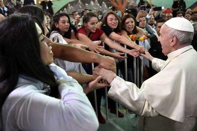 El papa Francisco en su visita a al Centro Penitenciario de Mujeres San Joaquín, en Santiago de Chile. / Osservatore Romano