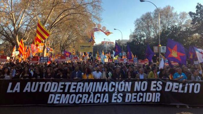 Miles de personas claman en Madrid contra el juicio del procés y por la libertad de los presos independentistas