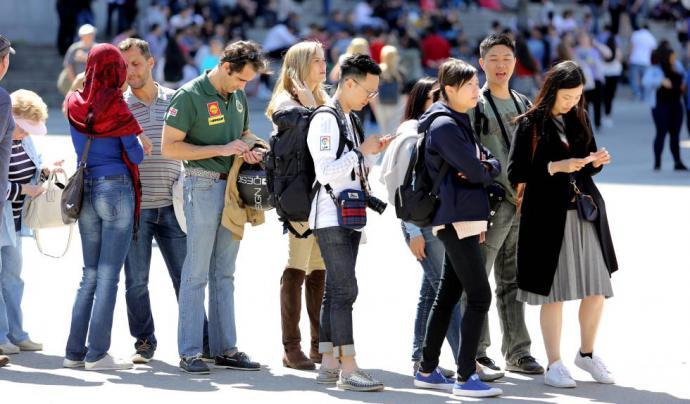 Turistas chinos: Vienen y gastan menos de lo que generalmente se cree y dice…