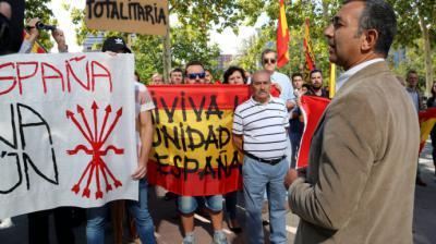 La Fiscalía recurre la absolución 'irracional' del líder de Falange que justificó la violencia contra el procés