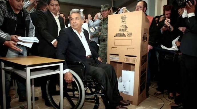 Lenin Moreno recibe las credenciales como presidente electo del Ecuador