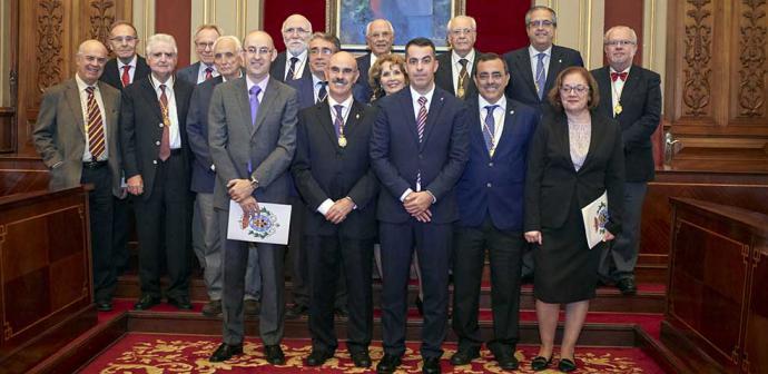 El Ayuntamiento de Santa Cruz de Tenerife acoge la entrega de premios de la Academia de Medicina