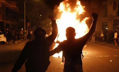Ataque a un helicóptero que sobrevolaba la manifestación de los independentistas en Barcelona