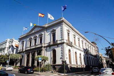 Las terrazas de Santa Cruz de Tenerife reabren limitadas a la mitad de su capacidad